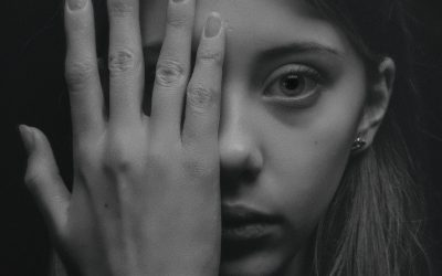 4 Subtle Signs You Had Toxic Parents And It's Still Affecting You